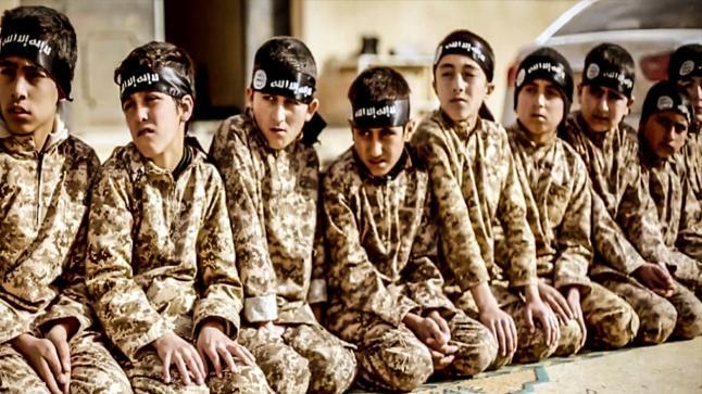 الأطفال الذين تم تجنيدهم من داعش !!